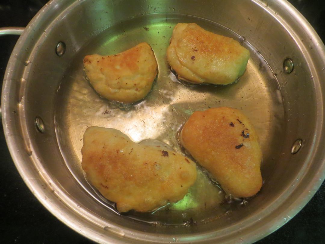 Panzarotti in the pan.