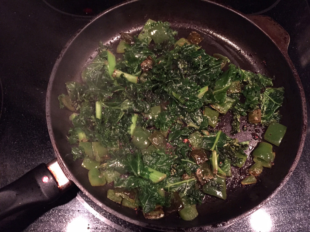 Step 3. Simmer until the kale wilts.